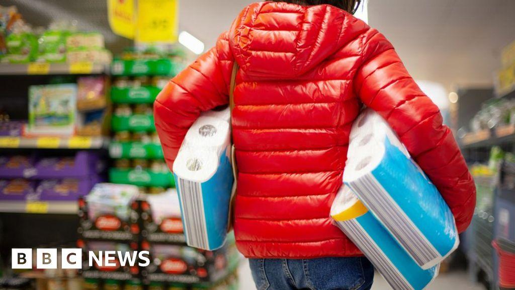 'Shops refusing cash left me unable to buy basics'