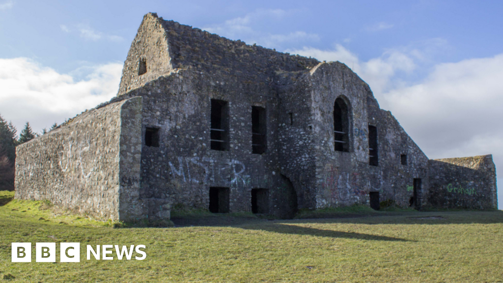 Hellfire Club dig uncovers ancient art