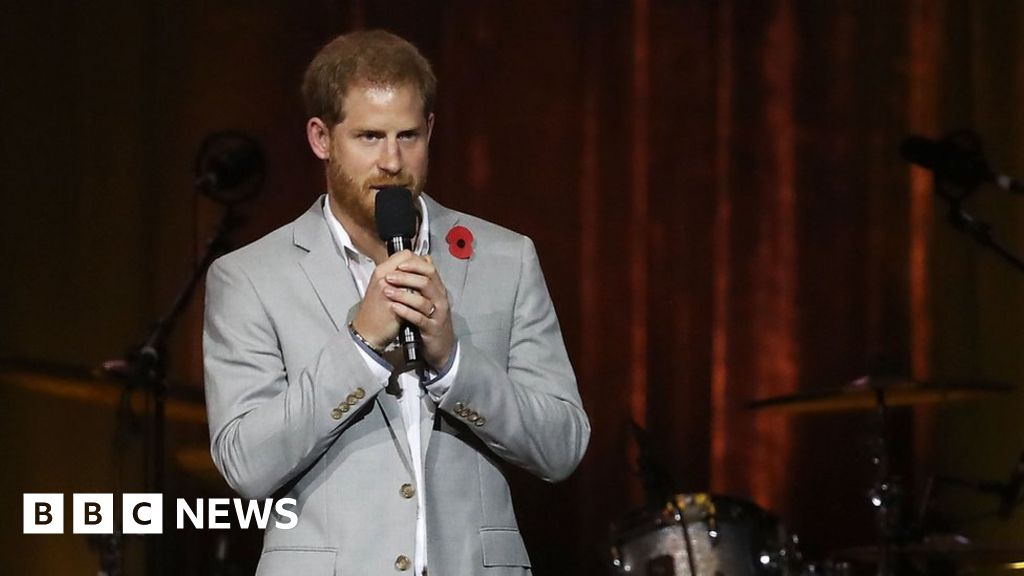 Prince Harry praises 'Invictus instance' thumbnail
