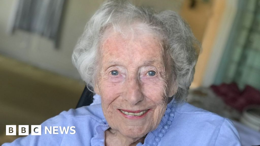 Dame Vera Lynn: Flypast to honour Forces' Sweetheart