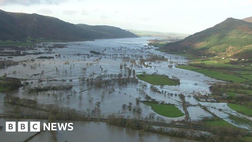 cumbria flood bride battles - 900×504