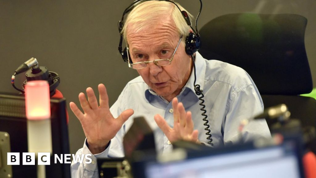 John Humphrys hosts his last edition of Radio 4 s Today programme