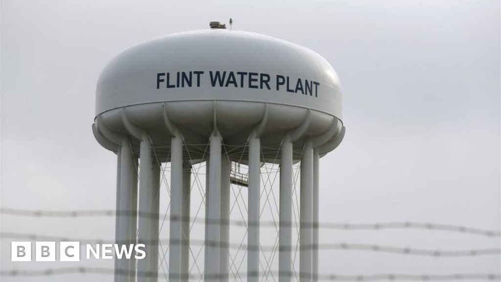 Flint Water Scandal More City Officials Charged Bbc News