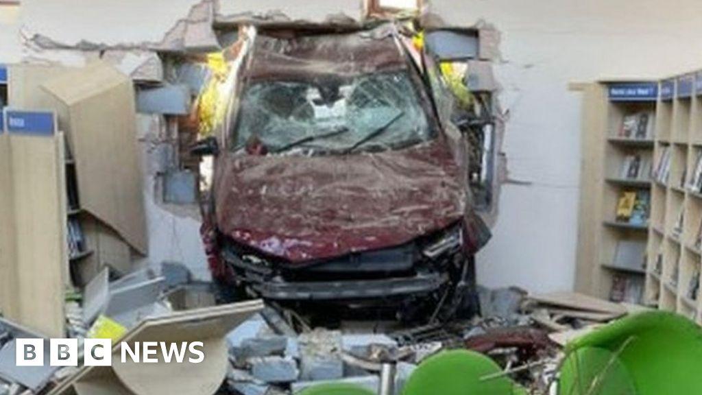 Car crashes through wall into Hythe library