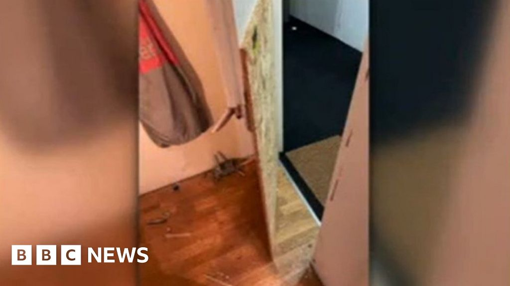 Police smash down Bradford woman's door and leave it insecure