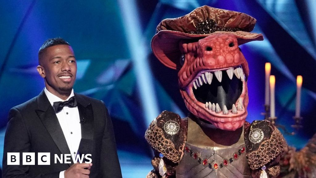 Nick Cannon keeps Masked Singer job after apology