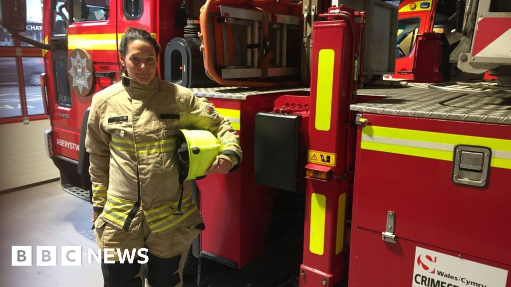 Women 'under-represented' in Wales firefighter workforce thumbnail