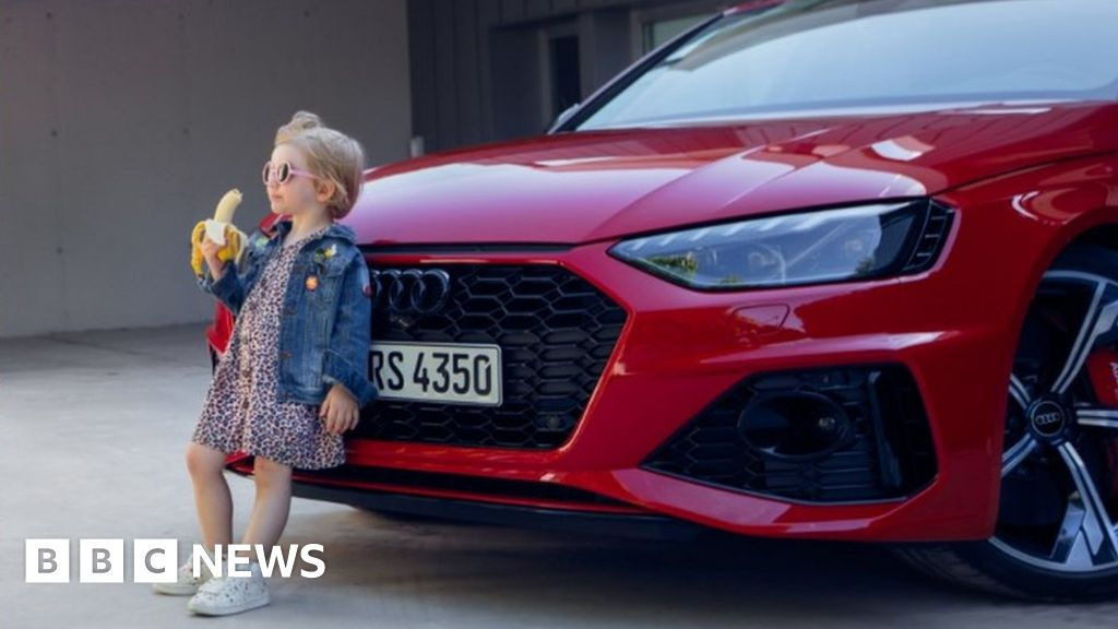 Audi drops 'insensitive' girl with banana ad