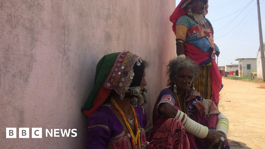 India's highway of death creates village of widows - BBC News