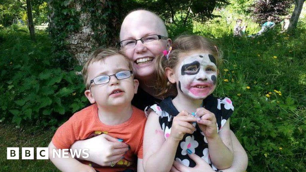 1f62189c6d7f7 challengeaccepted  Cancer survivor attacks Facebook  fakes  - BBC News