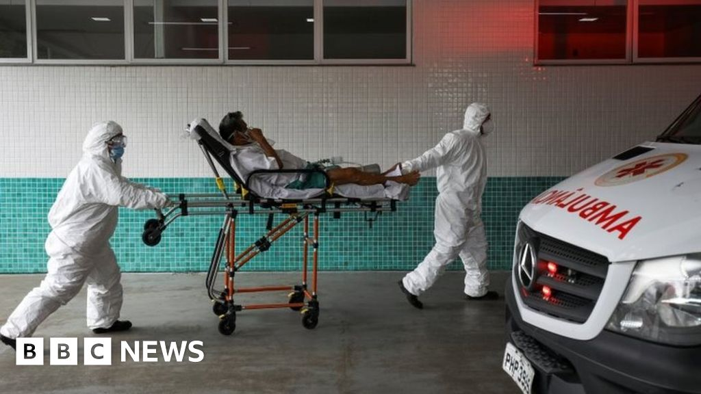 Covid-19: Brazil hospitals 'run out of oxygen' for virus patients
