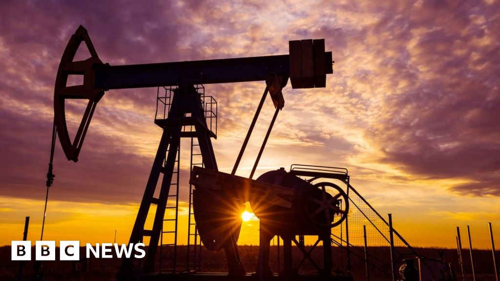 Fracking ban decision delayed by Scottish government