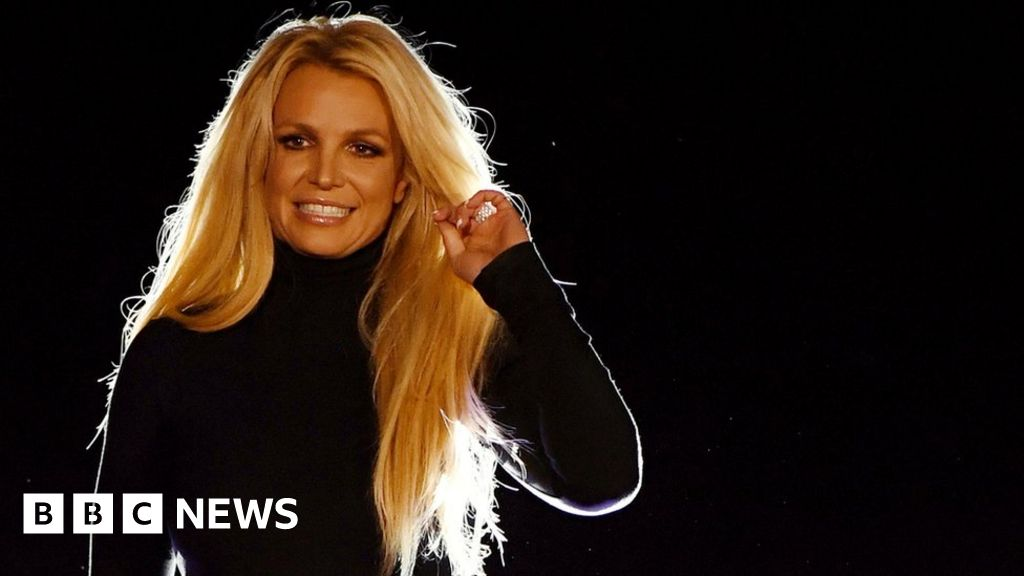 Britney Spears officially requests new conservator to replace her father