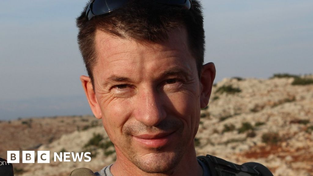 British man held by IS 'believed to be alive'
