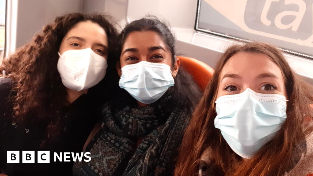 Covid: Double-jabbed students denied quarantine exemption