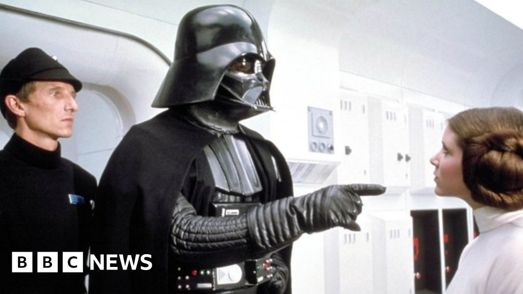 Dave Prowse: Darth Vader actor dies aged 85