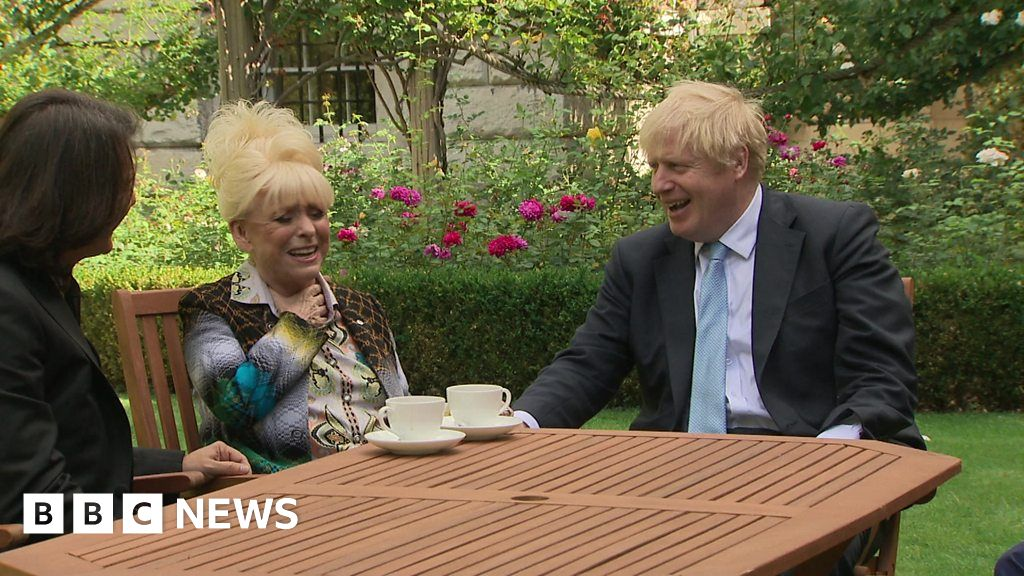 Barbara Windsor goes to Downing Street to deliver dementia petition