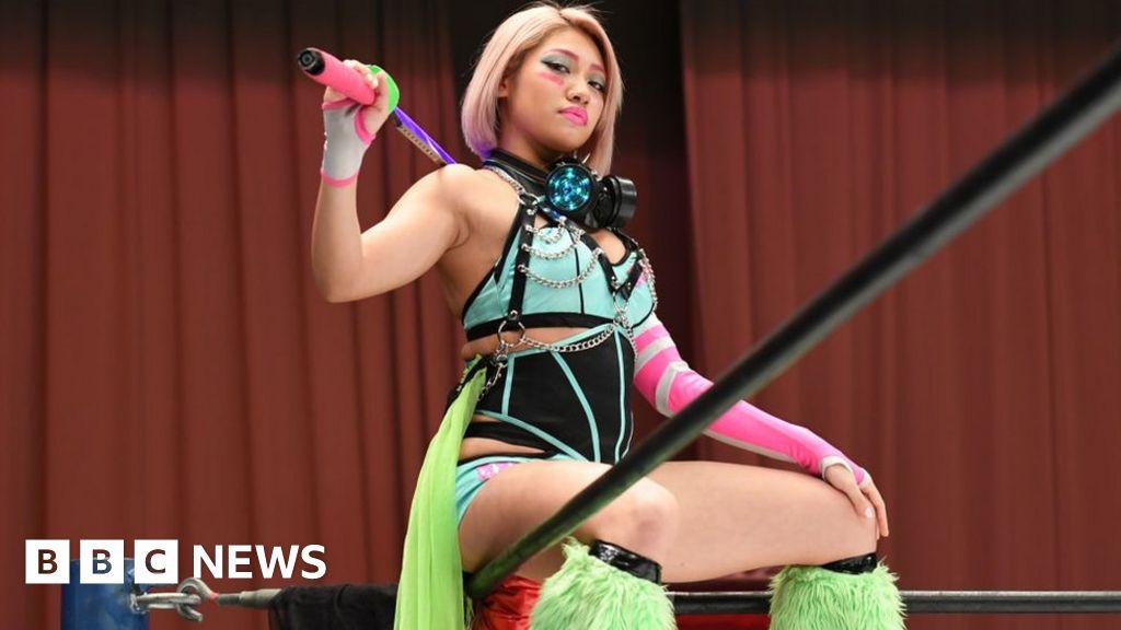 Hana Kimura: Netflix star and Japanese wrestler dies at 22 - BBC News