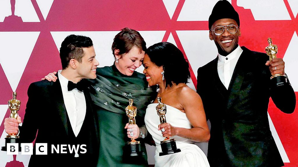 Oscars 2019: Olivia Colman and Green Book spring surprise wins - BBC