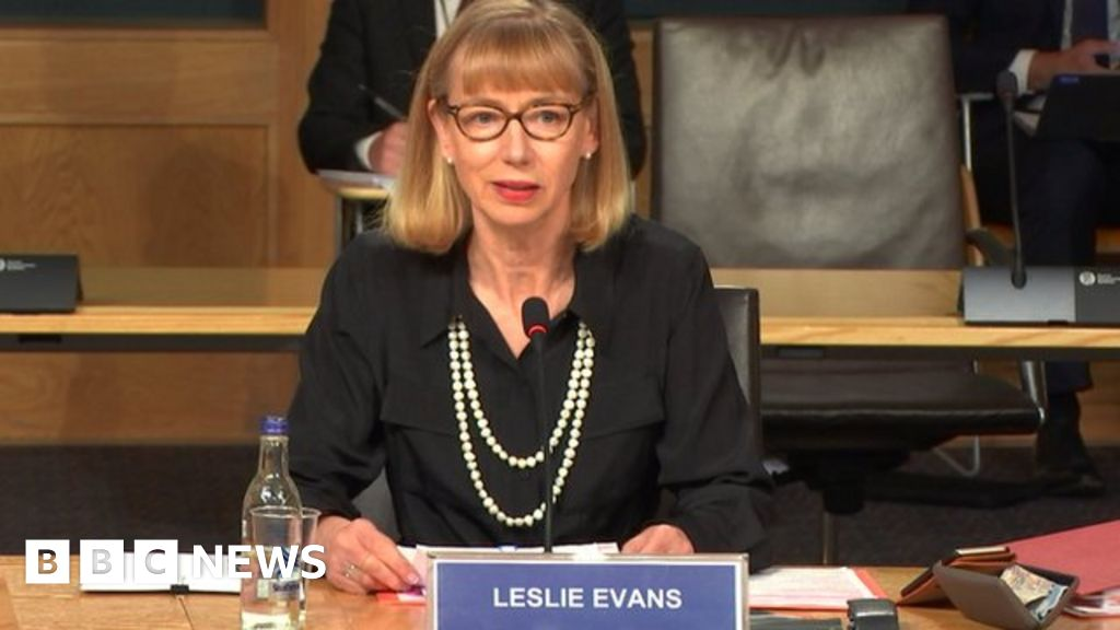 Salmond inquiry: Civil servant says investigating complaints 'right thing to do'