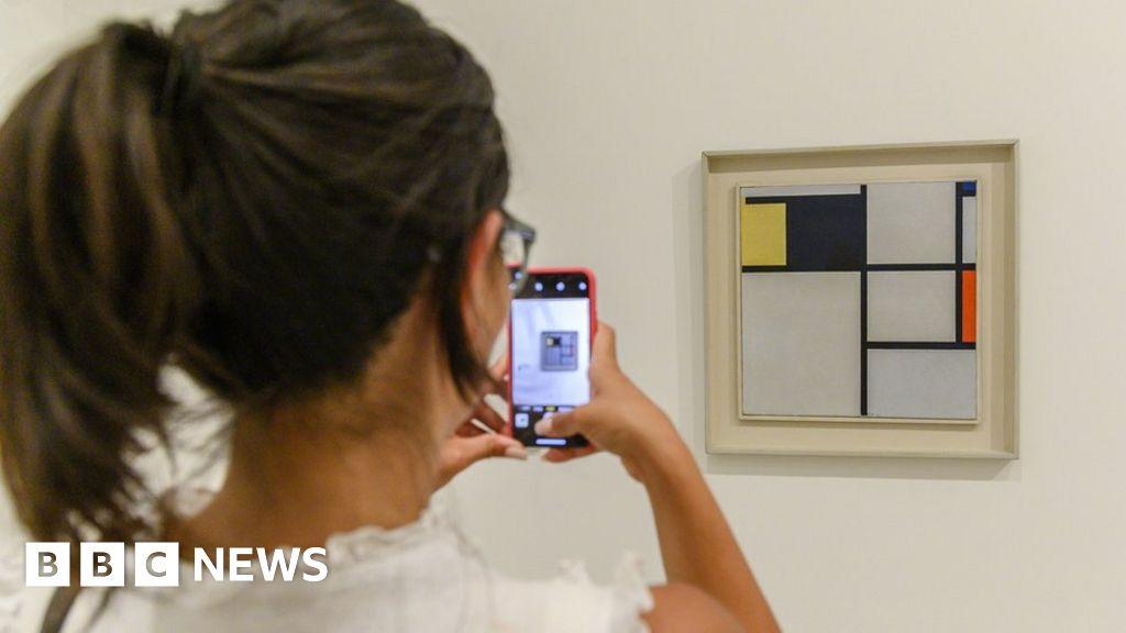 Portugals top art collector Joe Berardo arrested over fraud allegations