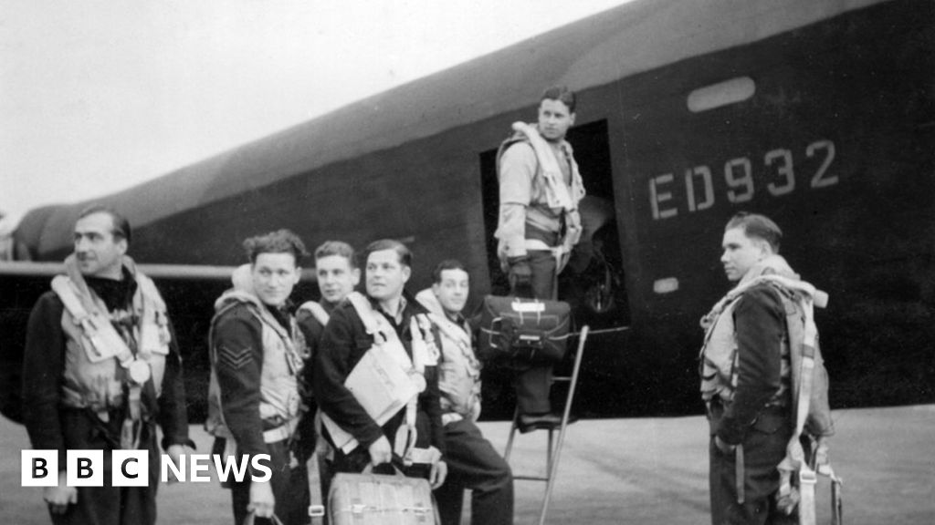 Dambusters dog: Headstone replaced to remove racist name