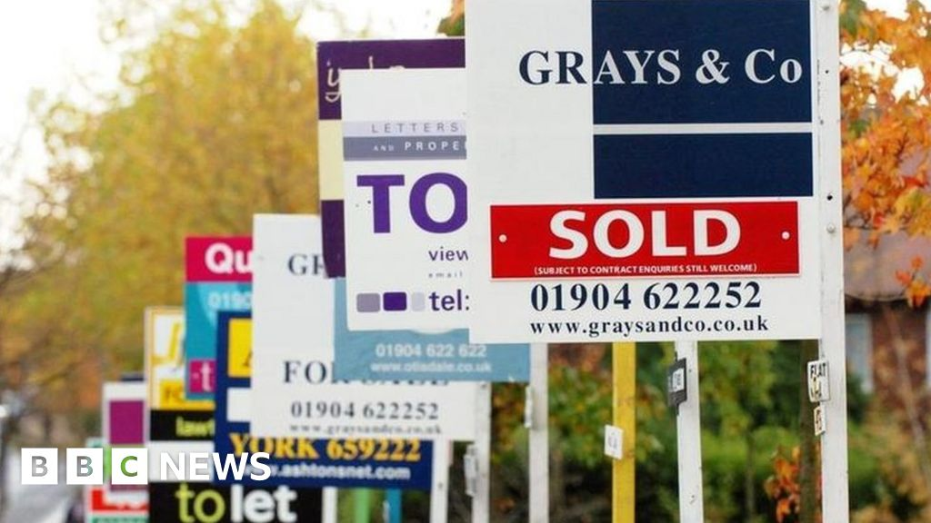 UK house price growth low for a year, says Nationwide