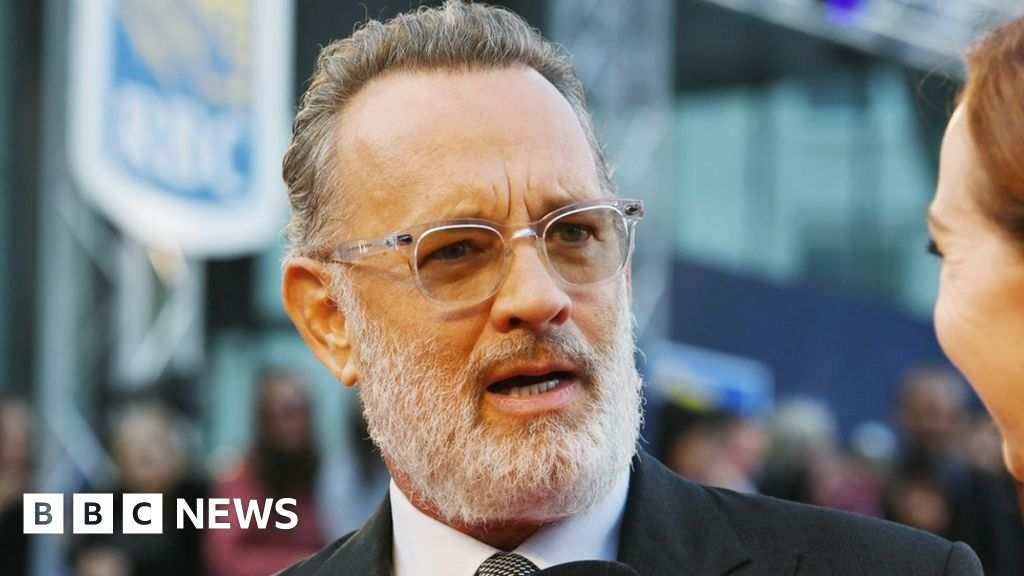 Toronto 2019: Tom Hanks says cynicism 'has become our default' - BBC News