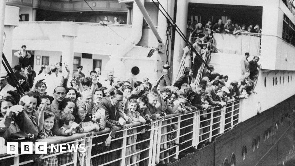 Canada sorry for turning away Jewish ship