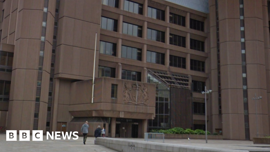Paedophile Pc Demanded Nude Pictures From Girl, 13 -2243
