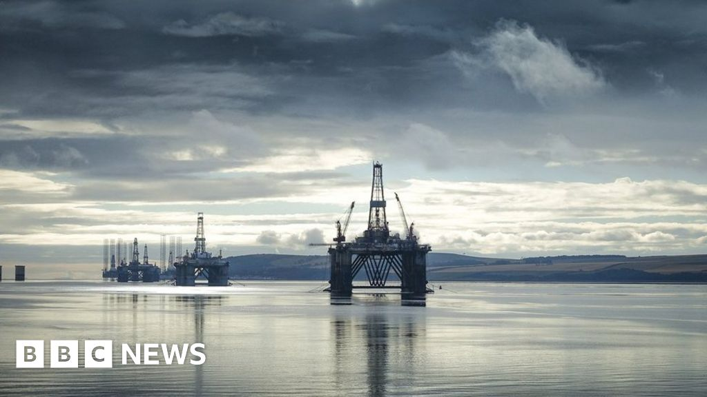 Rigs may act as 'stepping stones' for non-native species
