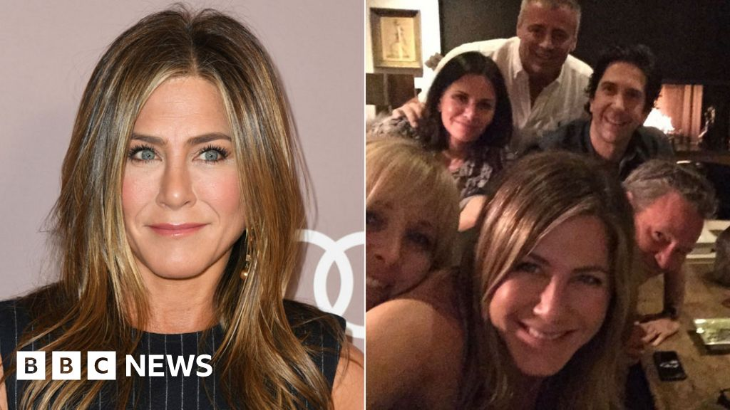 Jennifer Aniston joins Instagram by posting Friends reunion photo