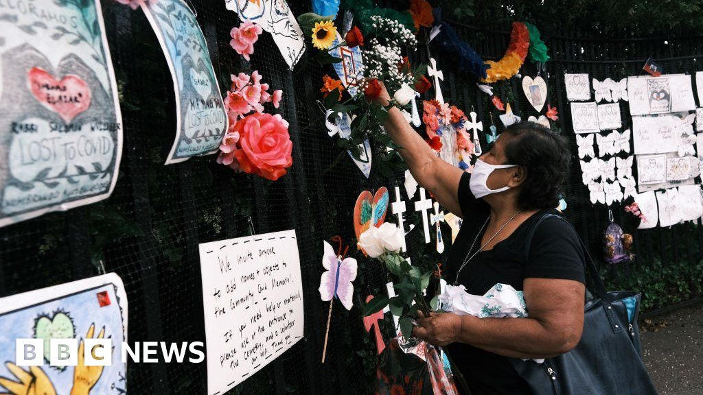 Covid: US death toll passes 600,000 as vaccination rate slows