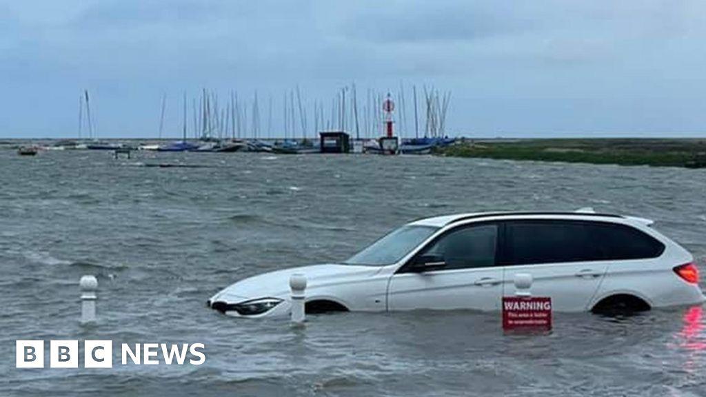 Norfolk coast: Cars left floating in high tide