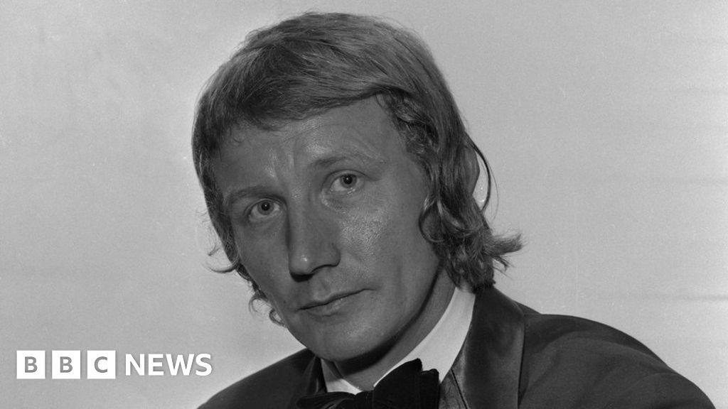 Alan Hawkshaw: Grange Hill and Countdown composer dies aged 84