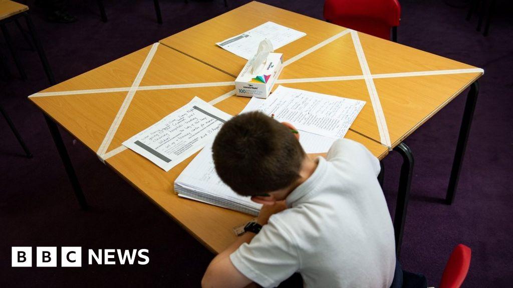 "Coronavirus: NI school-plan ""unrealistic and undeliverable"