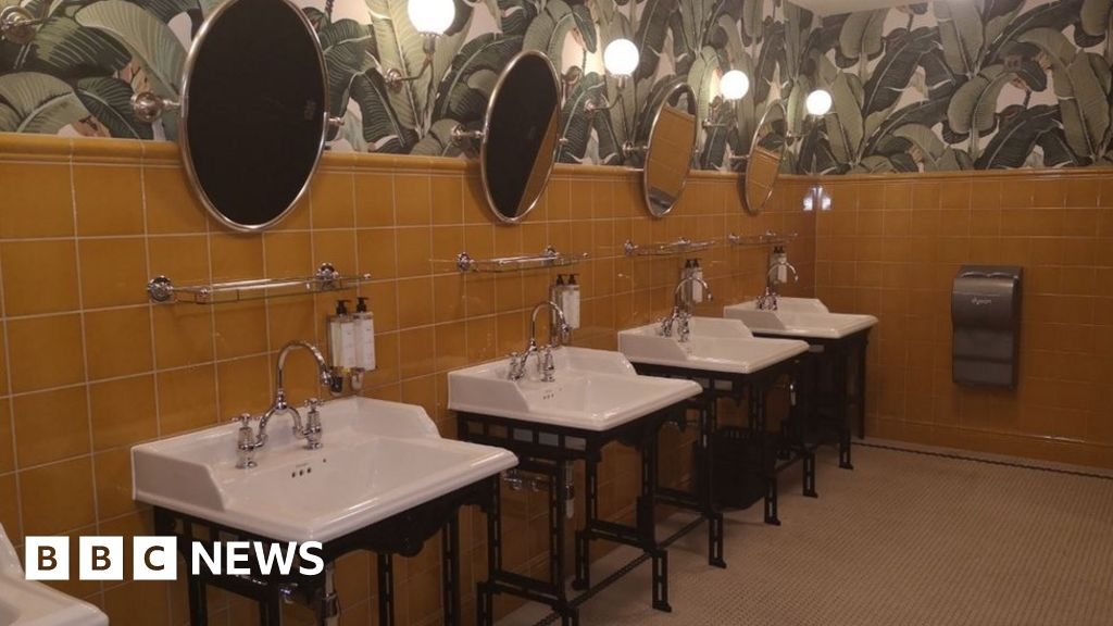 Lady Latrine: 'Why I Rate Toilets I Visit on Instagram'