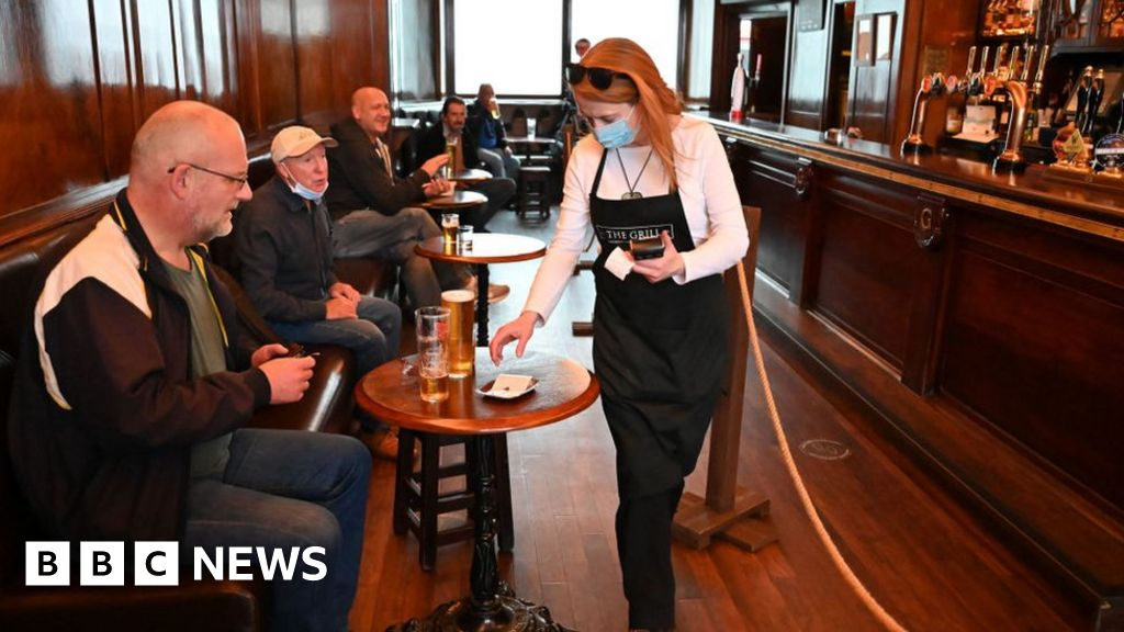 Covid-19: Scotland to ease pub and restaurant restrictions