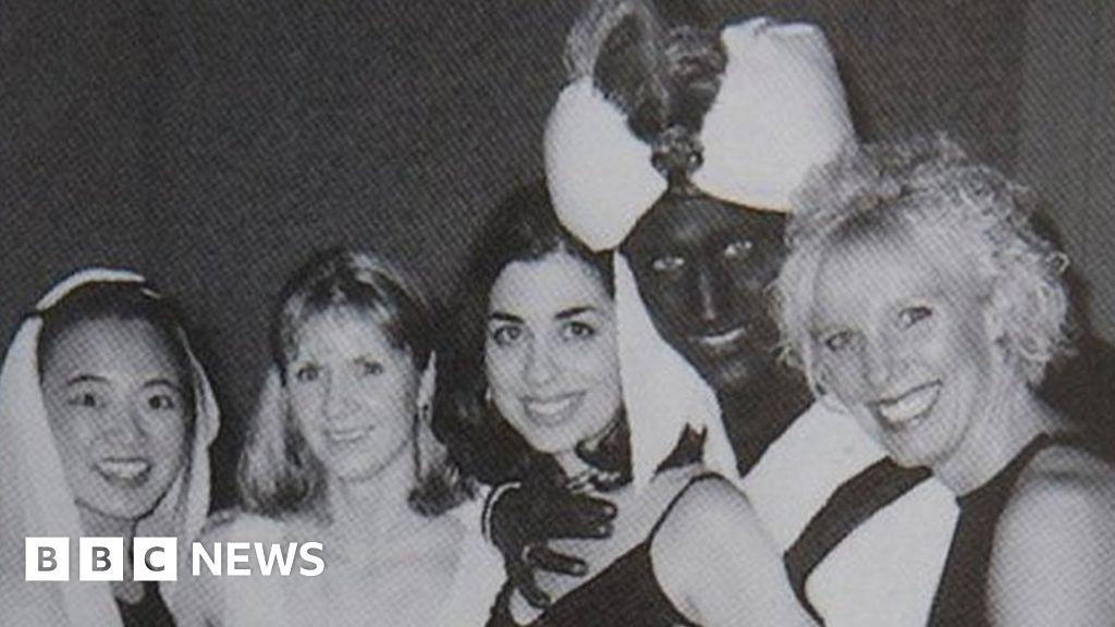 Justin Trudeau: Canada PM in  brown face  in 2001-Yearbook-photo