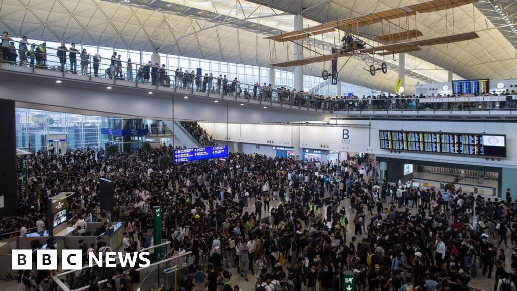 Hong Kong airport cancels flights over protests