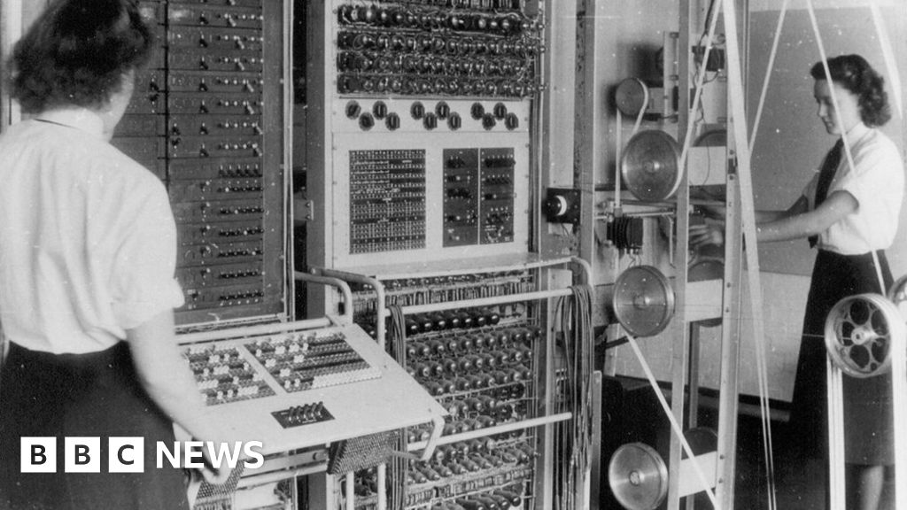 Bletchley Park: New crisis for code-breaking hub