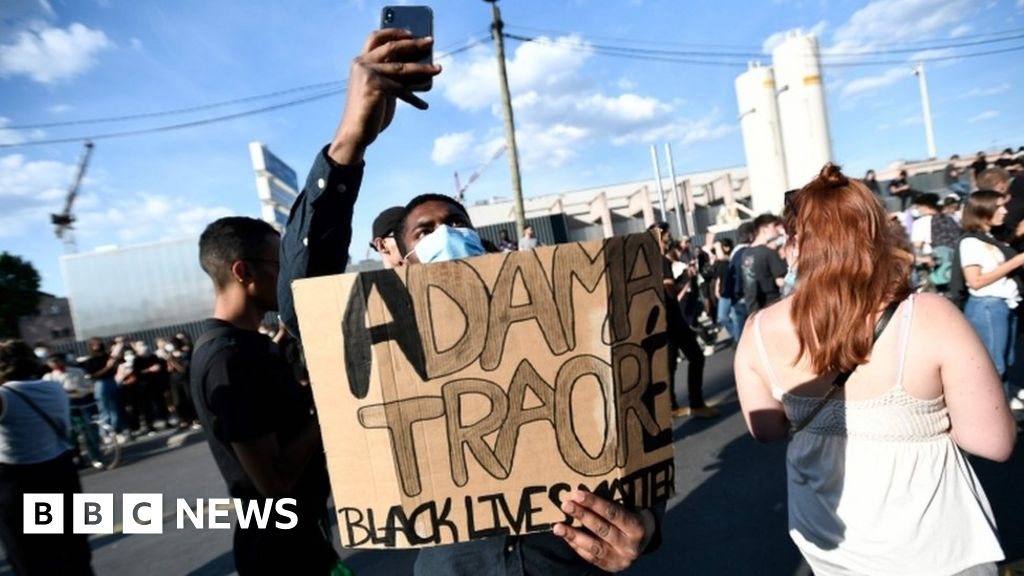 Adama Traoré: French anti-racism protests defy police ban thumbnail