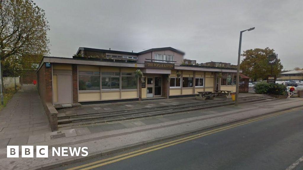 harlow man dies after fight in poplar kitten pub bbc news. Black Bedroom Furniture Sets. Home Design Ideas