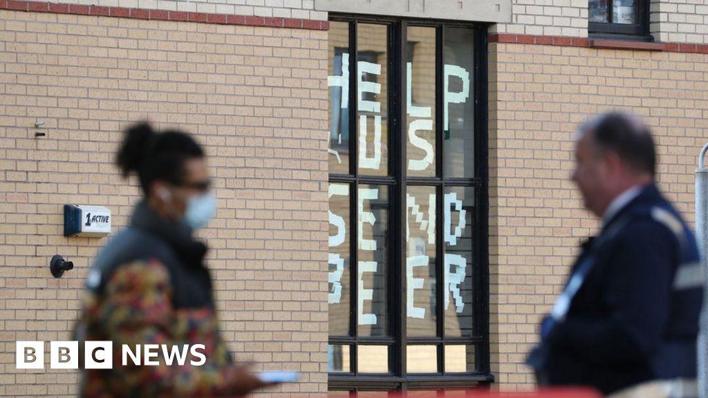 Coronavirus: Culture Secretary Oliver Dowden defends students' university return
