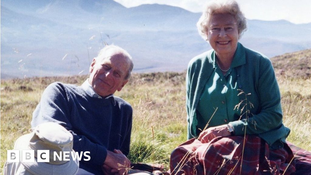 Prince Philip: Queen shares one of her favourite photos
