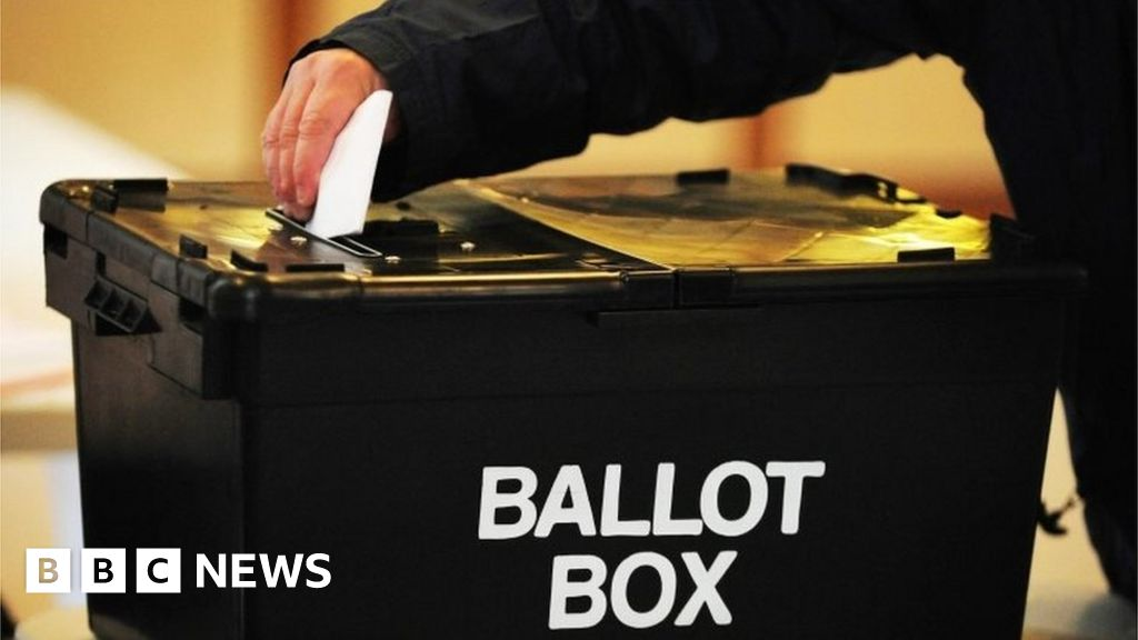 General election 2019: PM urges Corbyn to reconsider votes for EU citizens
