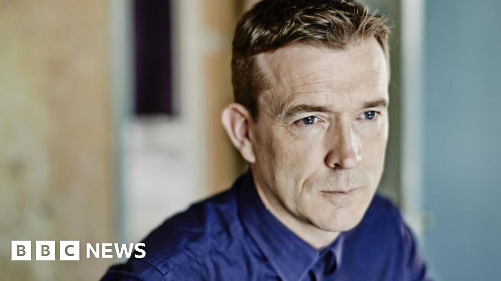 David Mitchell: A music novel is 'impossible'