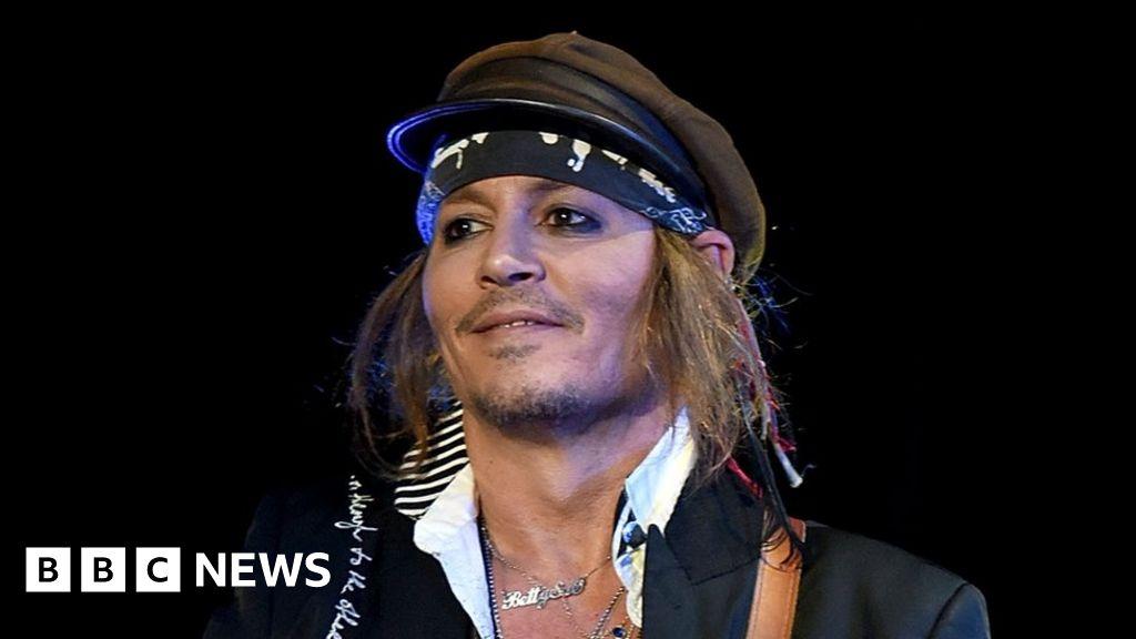 Johnny Depp settles lawsuit with former management - BBC News джонни депп новости