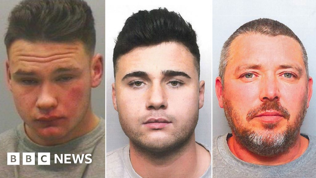 West Yorkshire men jailed for selling drugs on dark web - BBC News