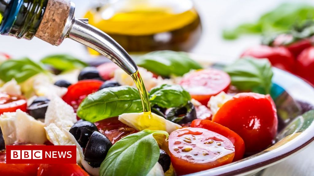 Mediterranean diet 'may help prevent depression'